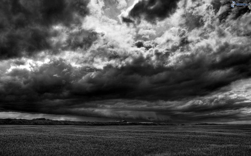 alice-le-guiffant-nuages-sombres